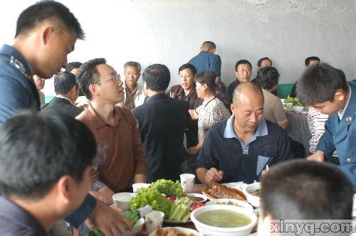 欢迎标语-标题 华国锋同志遗体在京火化 胡锦涛等到革命公墓送别